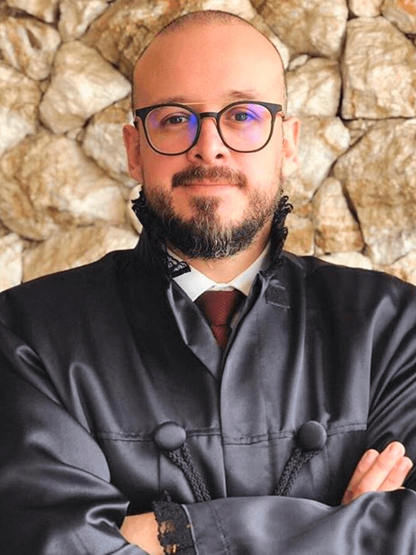 Dr. Leandro